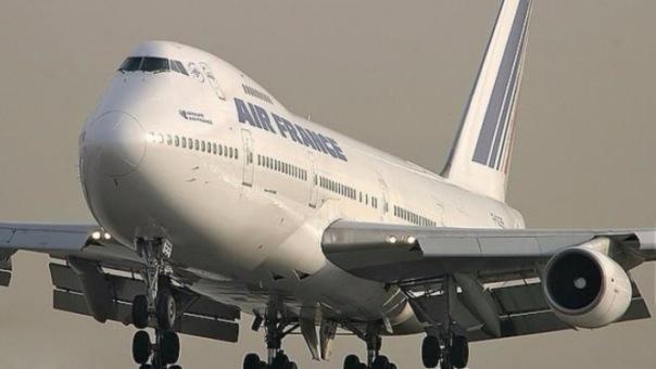 Французский Boeing экстренно сел в Пулково после отказа двигателя
