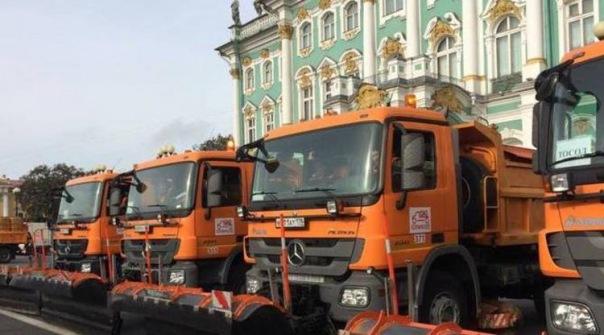 Ночью на улицах Петербурга работали 584 единицы уборочной техники