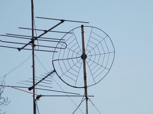 Петербуржец отсудил у жилкомсервиса 950 тысяч за выброшенную антенну