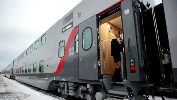 Из-за обрыва провода задерживаются поезда из Москвы в Петербург