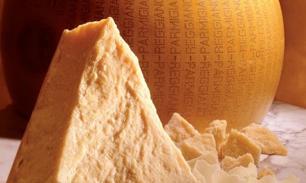 В Петербурге уничтожили 20 тонн санкционного немецкого сыра
