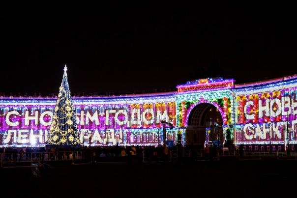 Георгий Полтавченко поздравил петербуржцев с Новым годом