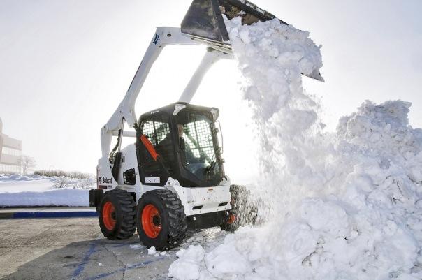 С начала года с улиц Петербурга вывезено 40 тысяч кубометров снега