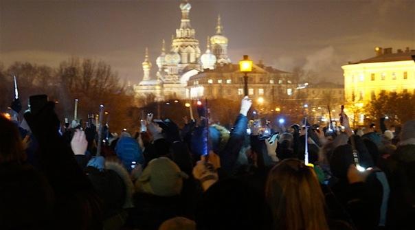В Москве и Петербурге прошли акции памяти Алана Рикмана