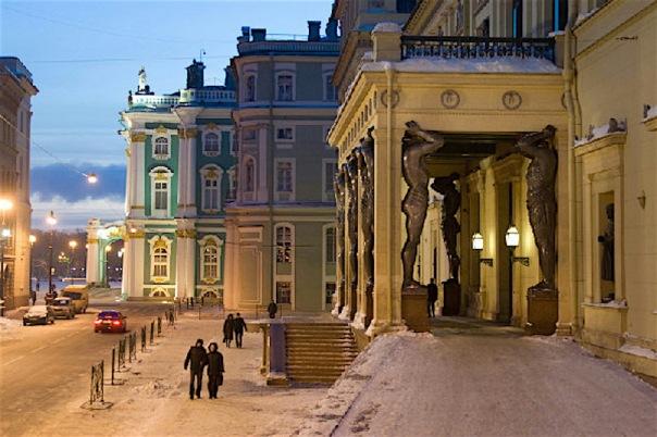 В Петербурге 25 января из-за съемок фильма перекроют Миллионную улицу