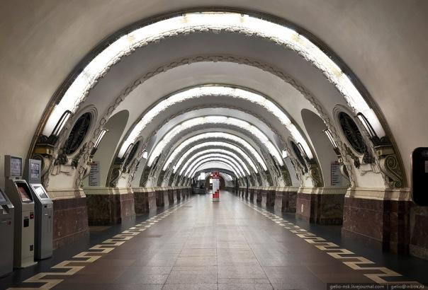Ремонт эскалатора ограничит вход на Площадь Восстания-1
