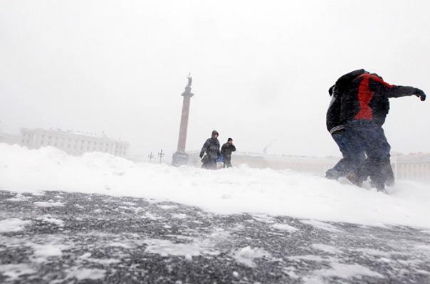 Снежный шторм накроет Петербург во вторник