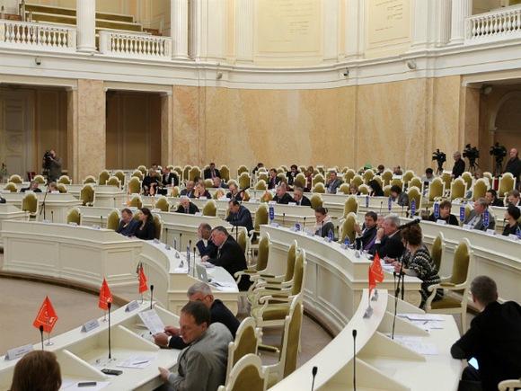 Петербургские депутаты отклонили 56 поправок к законопроекту о выборах