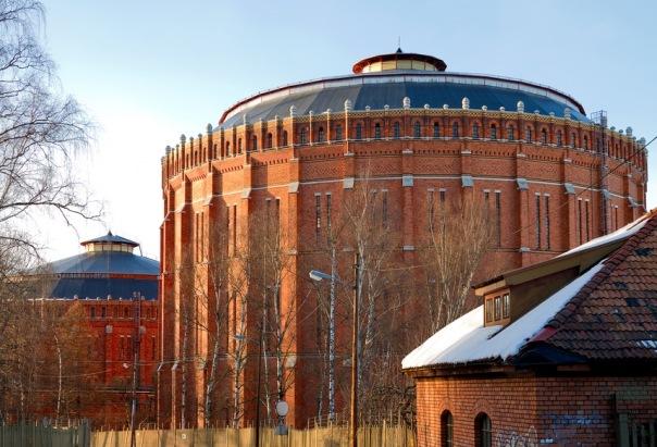 Надо знать: пять знаменитых газгольдеров Петербурга
