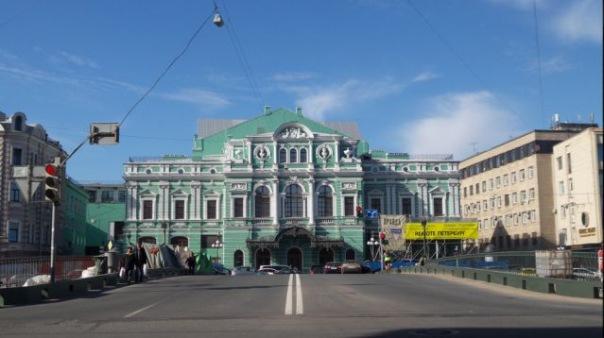 В День театров россиянам предложат билеты со скидкой до 90%