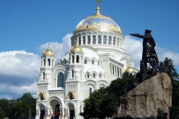 Путин наградил жену Медведева за восстановление собора в Кронштадте