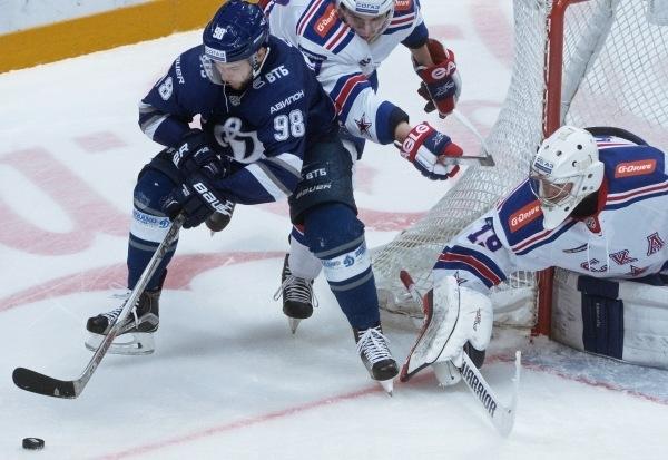 Московское Динамо обыграло СКА и повело в серии
