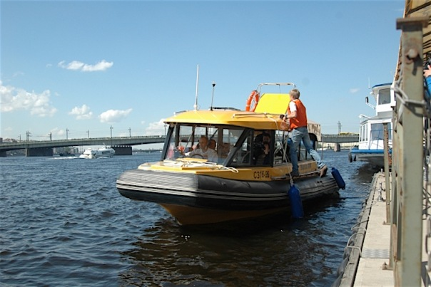 В 2016 году Петербург останется без аквабусов