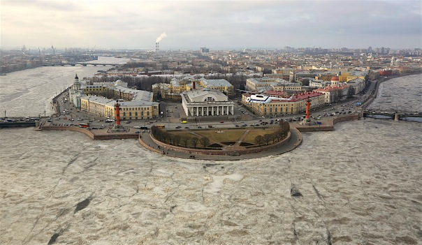 С 15 марта в Петербурге запрещено выходить и выезжать на лёд водоёмов