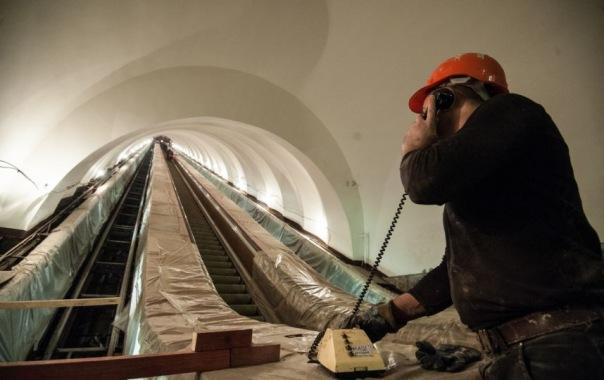 На станции метро Елизаровская после ремонта появится новое панно