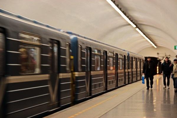 Стоимость проезда в метро Петербурга предложили срочно увеличить