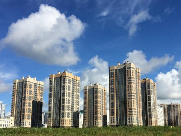 Петербург попал в топ-10 городов мира с самым дешевеющим жильем