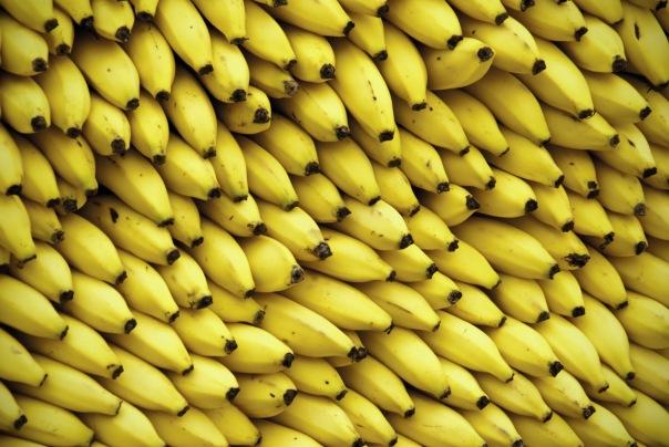С Канонерского острова в Петербурге похитили 20 тонн бананов