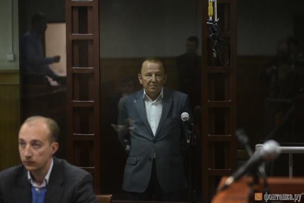Суд арестовал обвиняемого во взятке депутата заксобрания Петербурга