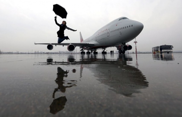 11-летняя девочка пробралась в самолёт и бесплатно долетела из Москвы в Петербург