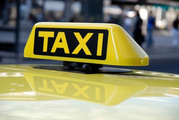 В честь Дня Победы ветеранов будут возить бесплатно на такси
