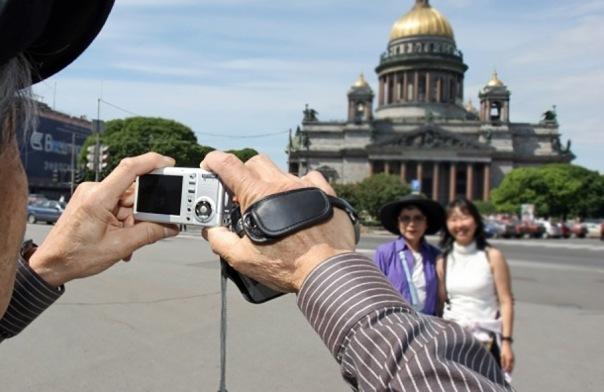 На майские праздники Петербург посетило почти 300 тысяч туристов