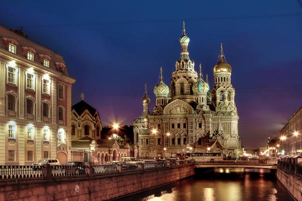 Петербургские соборы воцерковляют в обход губернатора