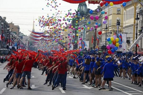 После концерта на День города петербуржцев развезет по домам метро
