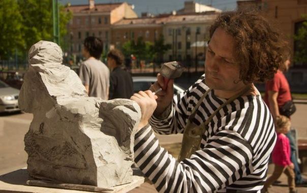 В Соляном переулке петербуржцев научат ковке, лепке и живописи