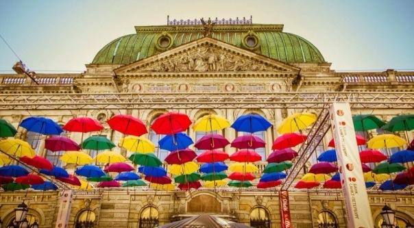 Аллея парящих зонтиков появится в Соляном переулке