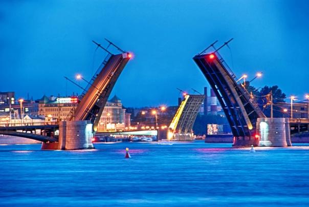 На время ремонта Тучкова моста изменится режим движения общественного транспорта