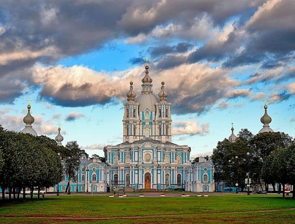 Реставрацию Смольного собора должны завершить к декабрю