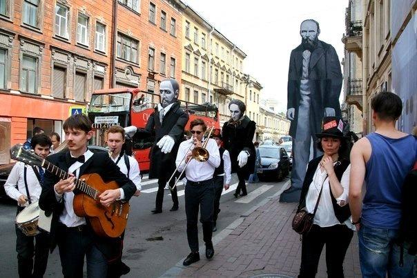 Карнавал героев Достоевского устроят в Кузнечном переулке 2 июля