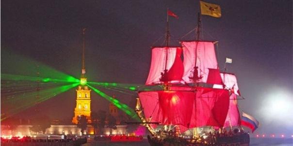Парусник Tre Kronor прибыл в Петербург на праздник Алые паруса
