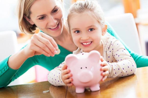 В центрах госуслуг начали принимать заявления на выплату средств из материнского капитала