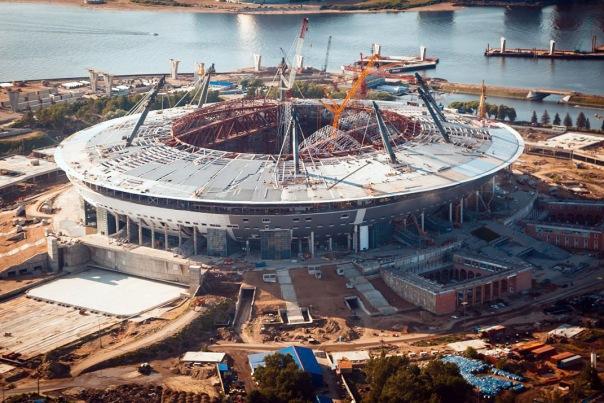 Стадион Зенит-Арена, строящийся уже 11 лет, сменит подрядчиков