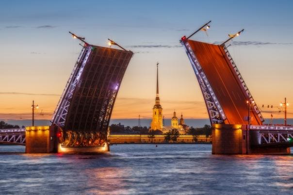 В Петербурге мосты будут разводить под классическую музыку