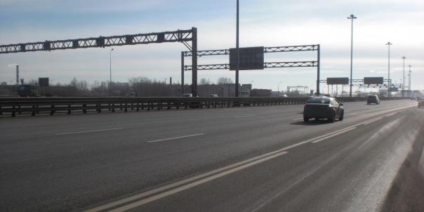 На КАД в районе Мурманского шоссе закроют две полосы