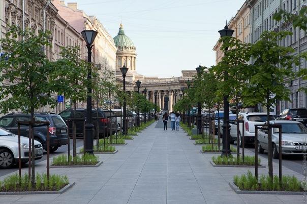 Театры Петербурга дадут бесплатные представления на Книжных аллеях