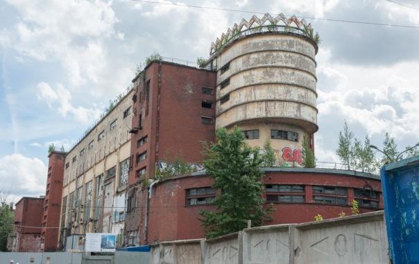 Здание бывшей фабрики Красное знамя в Петербурге ждёт реконструкция