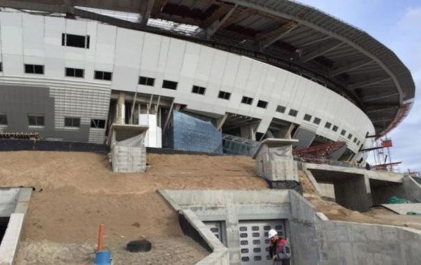 Инспекция труда проверяет стойку стадиона на Крестовском, где разбился рабочий