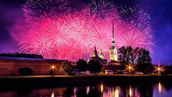 Над Петропавловской крепостью запустят восхитительный фейерверк