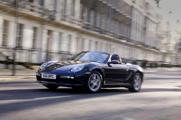 В Петербурге нашли Porsche, угнанный в Германии 4 года назад