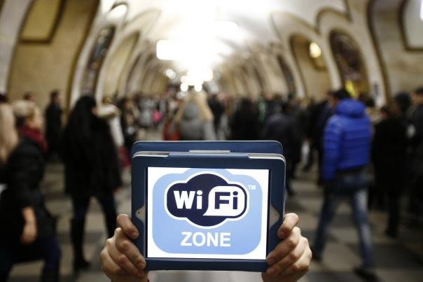 Wi-Fi в петербургской подземке запустят в апреле 2017 года