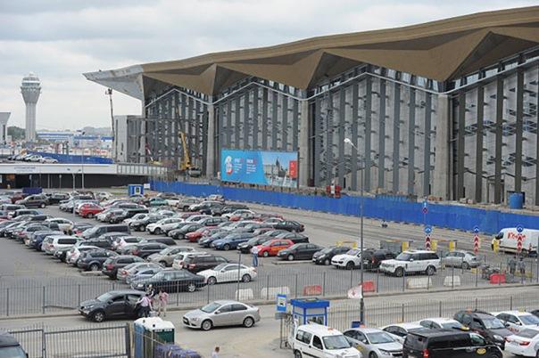В аэропорту Пулково отказались от бесплатной парковки