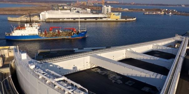 В Петербурге частично закрыта дамба из-за повышения уровня воды в Неве