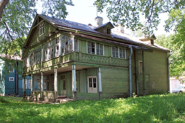 В Петербурге снесли памятник деревянного зодчества XIX века
