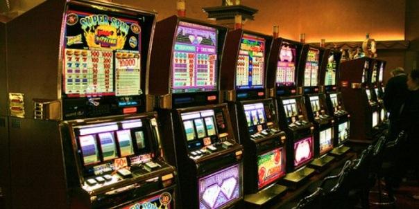 Правоохранители закрыли популярное казино на Васильевском острове