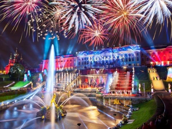 Ежегодное закрытие фонтанов вновь пройдет в Петергофе