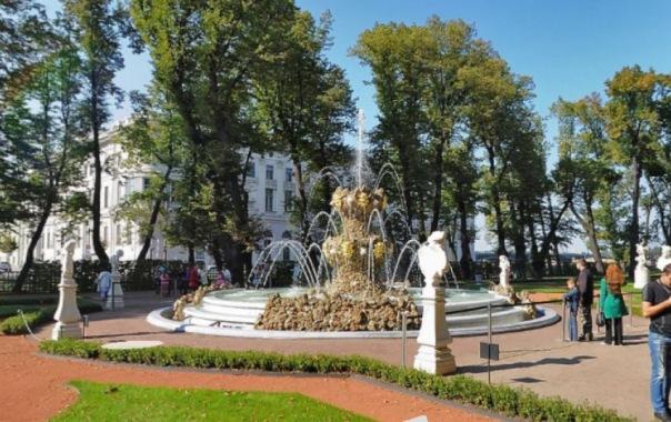 В Летнем саду отключат фонтаны 2 октября